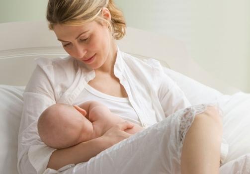 La nutrizione della mamma durante la gravidanza e in allattamento